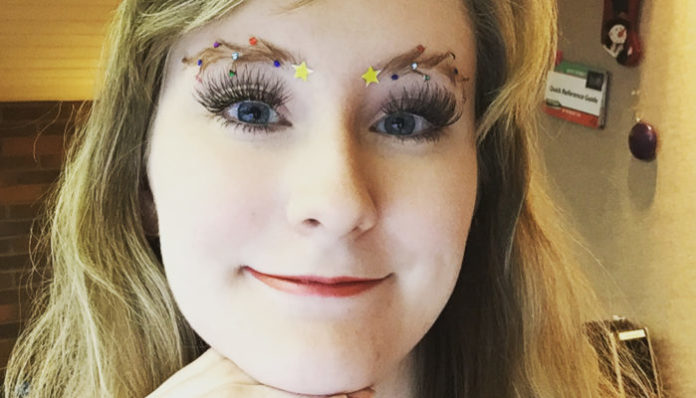 Christmas Tree Eyebrows.Christmas Tree Eyebrows The Latest 2018 Holiday Beauty Trend