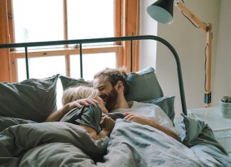 couple in bed sexual insecurity