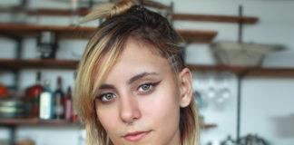 woman-wearing-eye-makeup