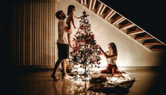 family-holiday-celebrating