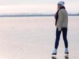 woman-ice-skating