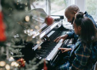christmas-albums-playing