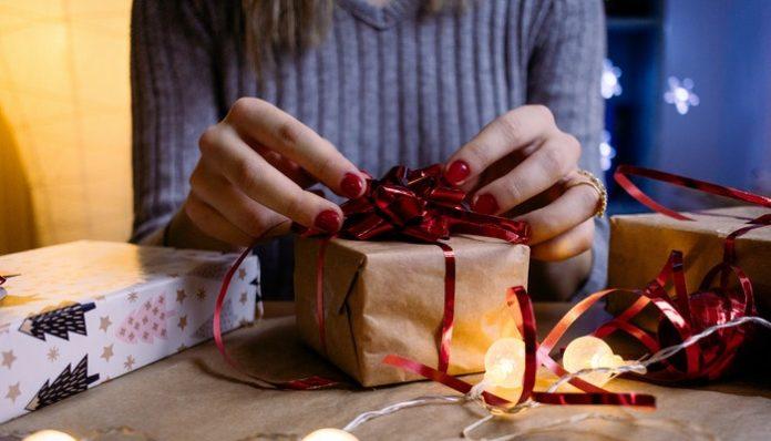 christmas-gift-wrapping