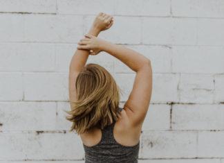 woman-skipping-fitness-goals