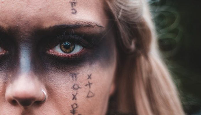 Paganism-Dark-Make-up