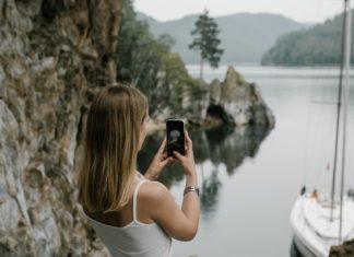 selfie-social-media-post