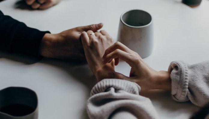 couple-discuss-sexual-past