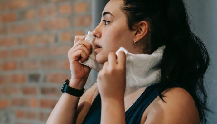 woman-sweating-hot