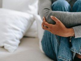 woman-financial-stress