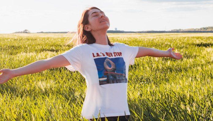 girl-outside-energy